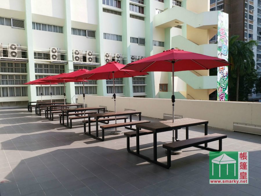 環保木桌椅 配 花園傘及環保傘座
